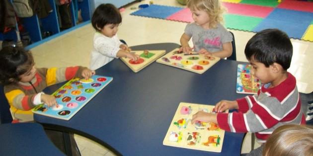 Alunni in una scuola Montessori