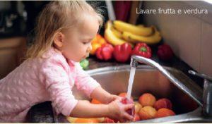 Lavare la frutta